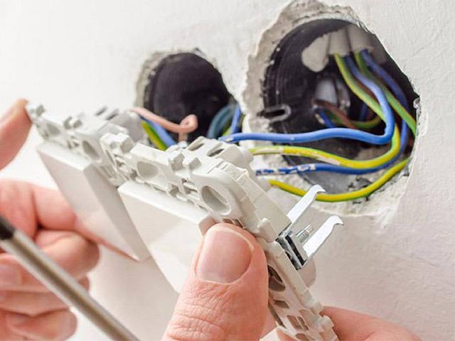 Установка и монтаж выключателей и розеток