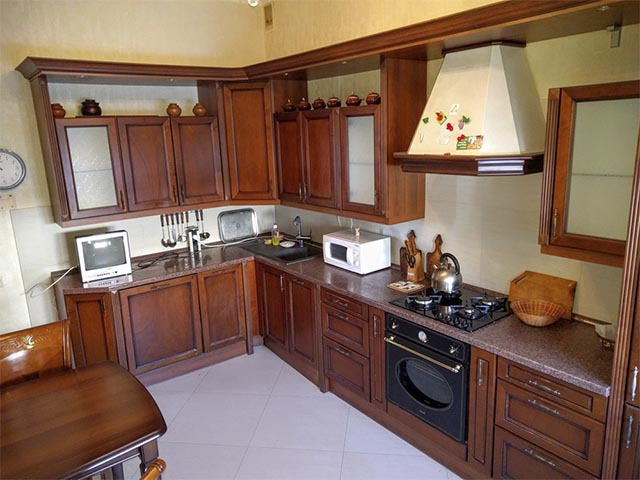 Кухни из массива сосны фото в Гомеле